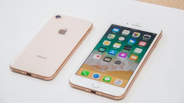 Tela do iPhone 8 em Paris