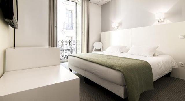 Hotel P.L.M. em Cannes - quarto