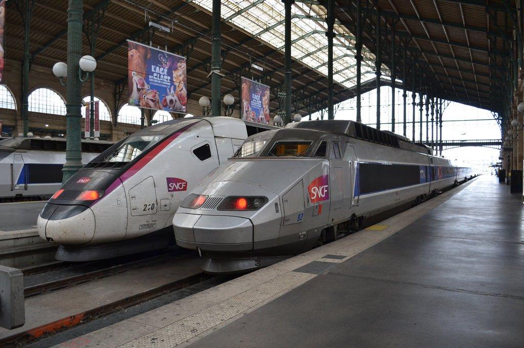 Viagem de trem de Grenoble a Paris