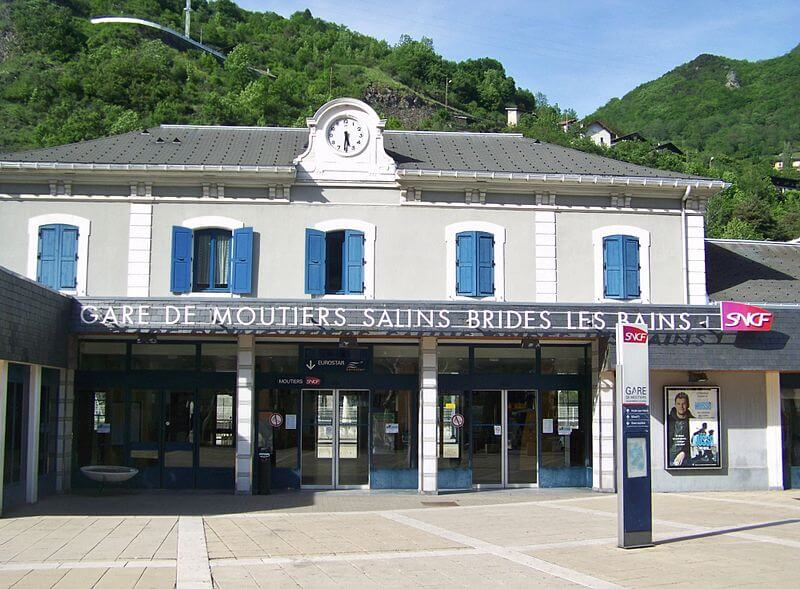 Viagem de trem de Moutiers a Paris
