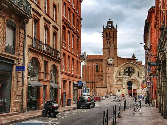 Aluguel de carro em Toulouse