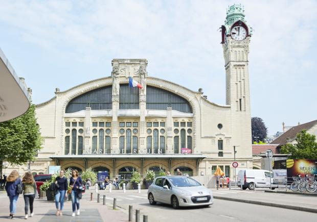 Viagem de trem de Rouen a Paris