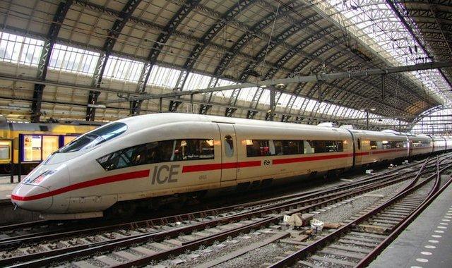 Viagem de trem de Paris a Colônia