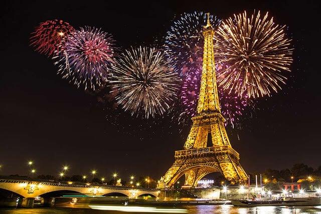 Fogos de artifício em Paris