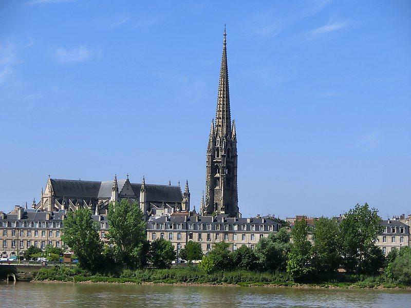 Exterior da Basílica de Saint Michel