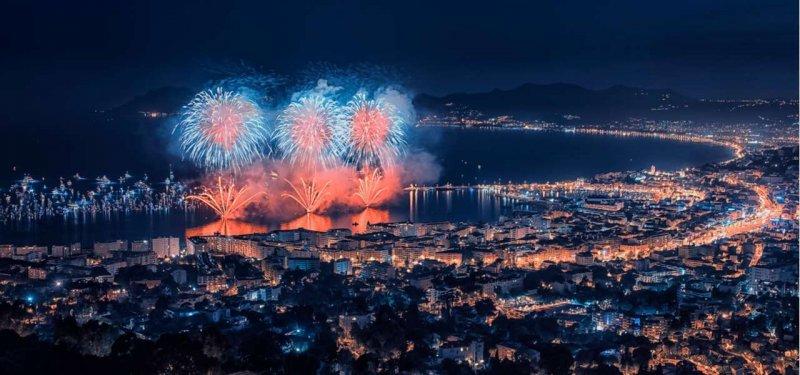 Fogos de artifício no Ano Novo em Cannes