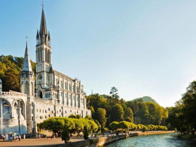 Vista de Lourdes no verão