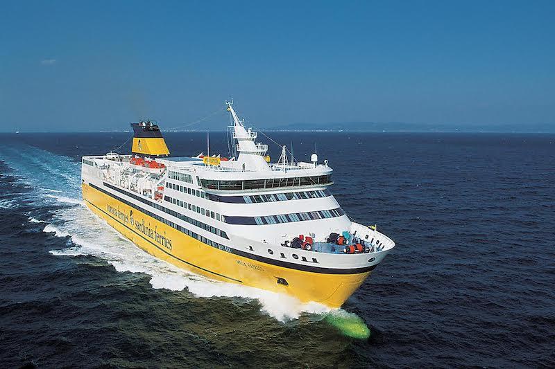 Ferry boat Corsica Ferries na França