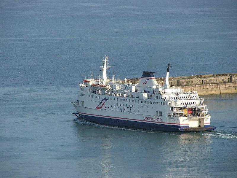 Ferry boat SeaFrance no porto de Dover