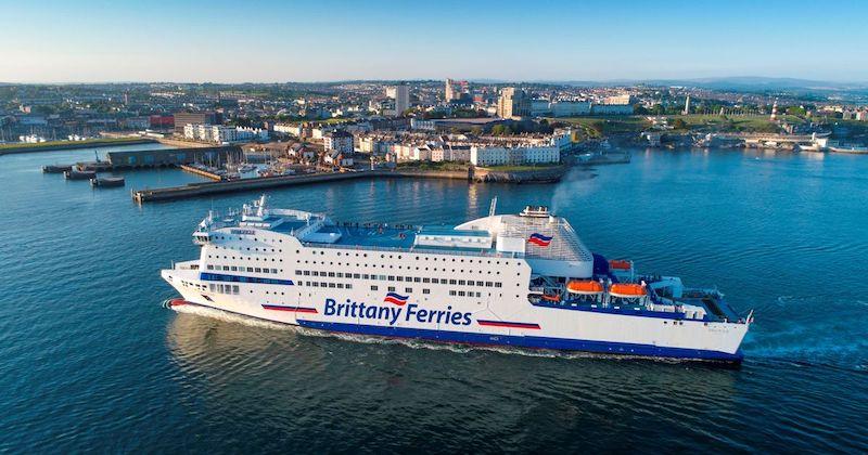 Viagem de ferry boat na França