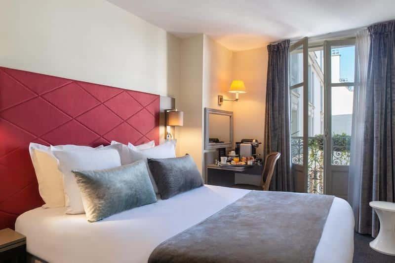 Quarto do Hotel Aston em Paris