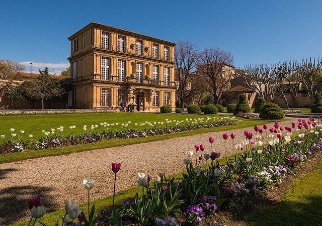 Jardins no Pavillon de Vendôme em Aix
