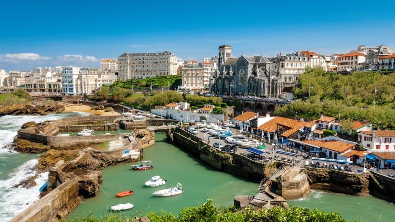 Meses de alta e baixa temporada em Biarritz