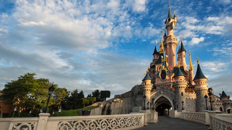 Entrada do Castelo da Cinderela na Disneyland Paris