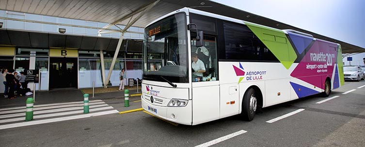 Ônibus no aeroporto de Lille